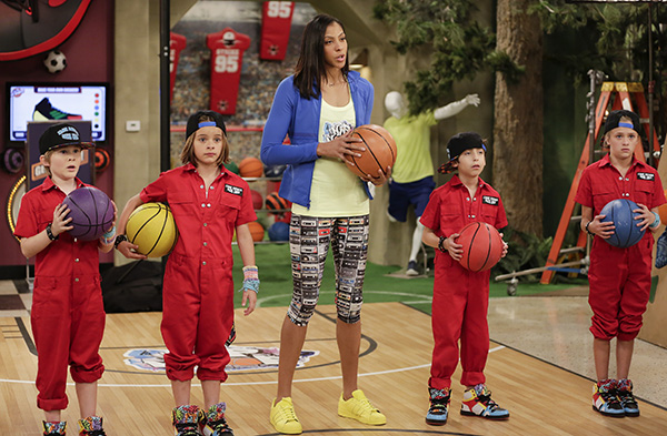 """""""I Want Candace"""" Epi# 209 -- Pictured: Tom (Brian Stepanek), Anne (Allison Munn), Nicky (Aidan Gallagher), Ricky (Casey West Simpson), Dicky (Mace Coronel), Dawn (Lizzy Greene), and Josie (Gabrielle Elyse) star in NICKY RICKY, DICKY & DAWN on Nickelodeon. -- Photo by: Scott Everett White/Nickelodeon ©2015 Viacom, International, Inc. All Rights Reserved."""